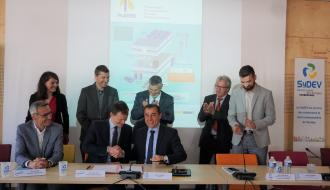 Signature de la convention de partenariat entre le SyDEV et Bouygues Energies  Services
